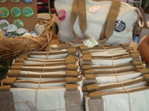 support eco-friendly bags